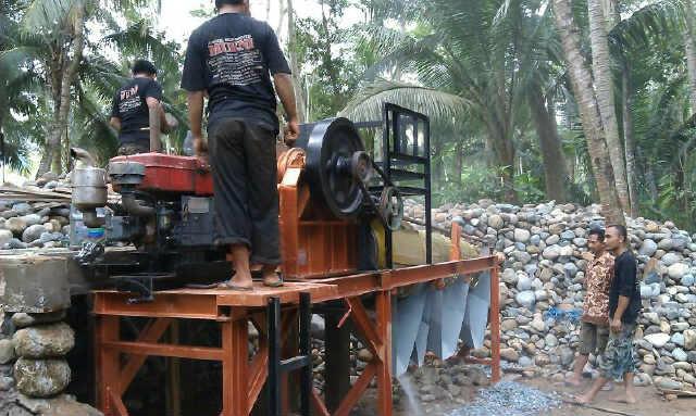 Stone Crusher/ Mesin Pemecah Batu Koral Portabel